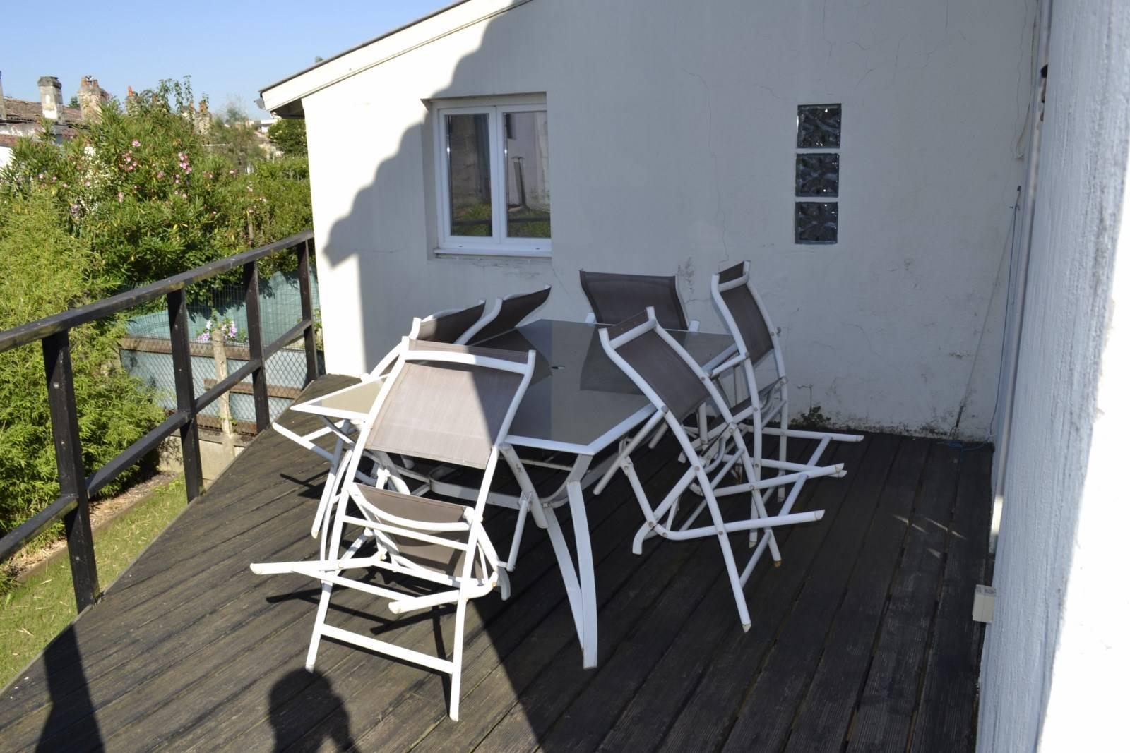 A vendre maison en pierre sur 3 niveaux avec jardin garage et terrasse expos e sud bordeaux - Maison jardin public bordeaux vendre tours ...