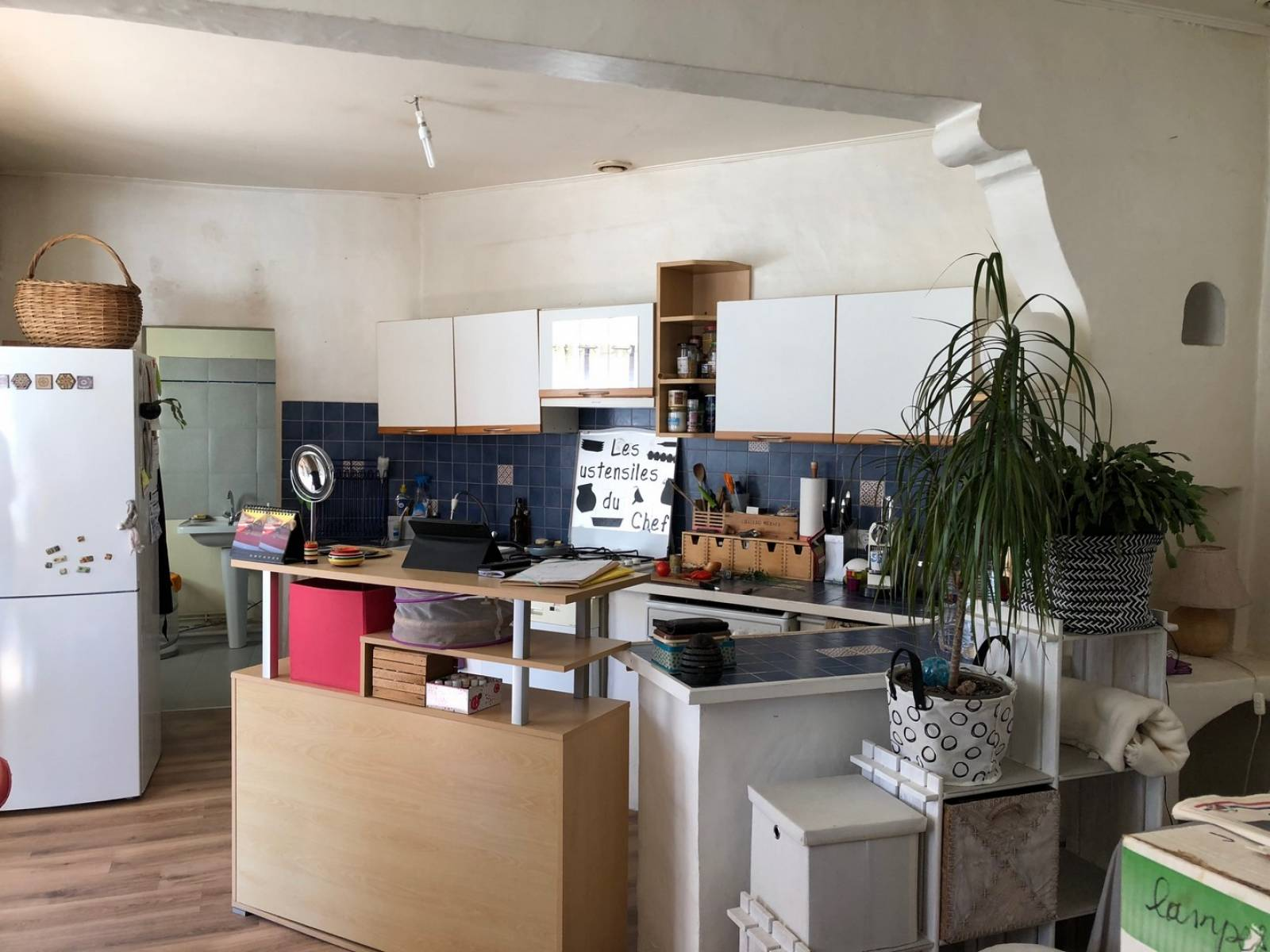 a vendre petite maison avec un garage un atelier et un jardin sans vis vis bas cenon. Black Bedroom Furniture Sets. Home Design Ideas